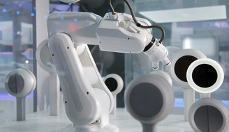 Robot controlled with vvvv at IAA 2011